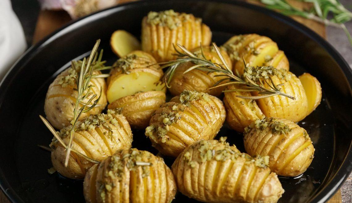Fächerkartoffeln (Hasselback Potatoes)